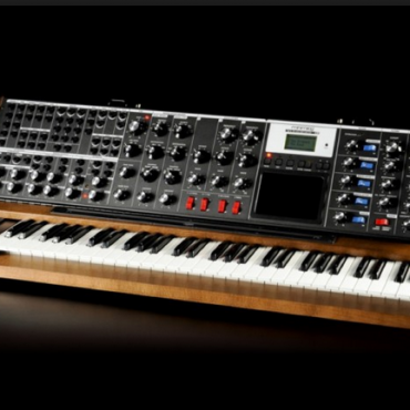 Moog-Synth-hardware-1.png